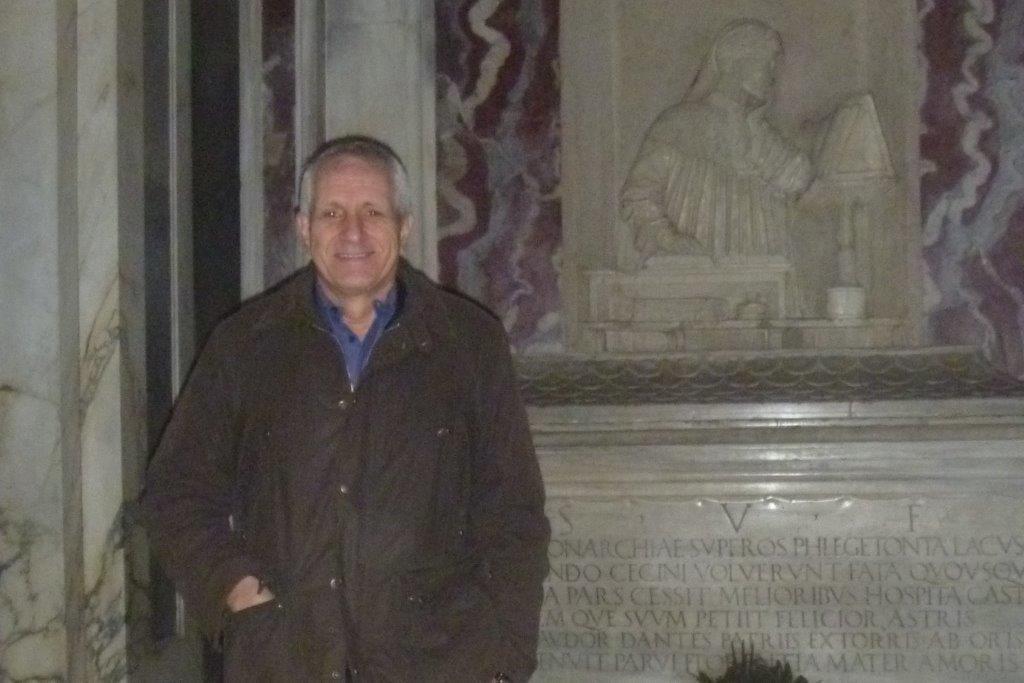Roberto Ippolito alla tomba di Dante Alighieri Ravenna 18 gennaio 2014