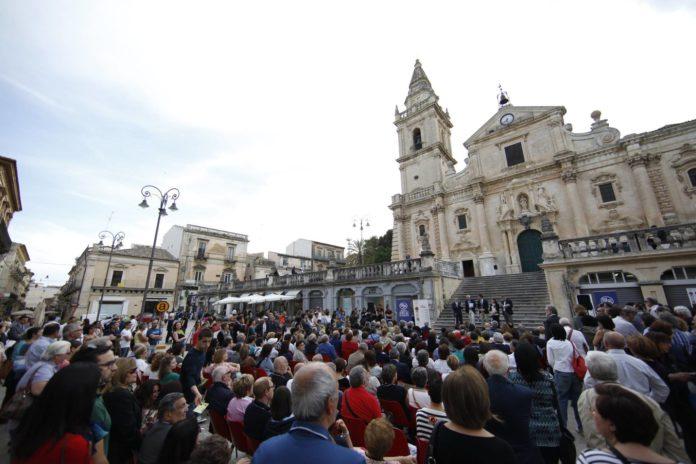 Ragusa A tutto volume 1 direttore Roberto Ippolito inaugurazione 6 giugno 2014