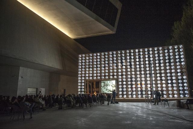 Maxxi 18 settembre 2014 4. Ferdinando Scianna e Roberto Ippolito curatore Nel baule foto Flaminia Nobili