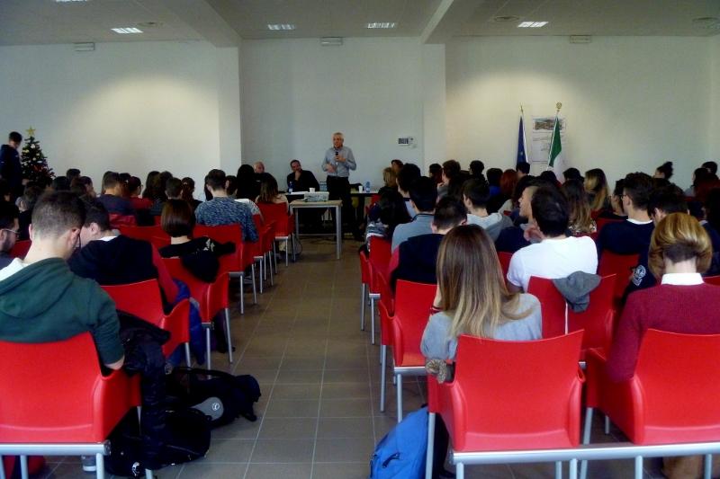 2014 12 13 07 Roberto Ippolito Liceo scientifico Rosetti San Benedetto del Tronto