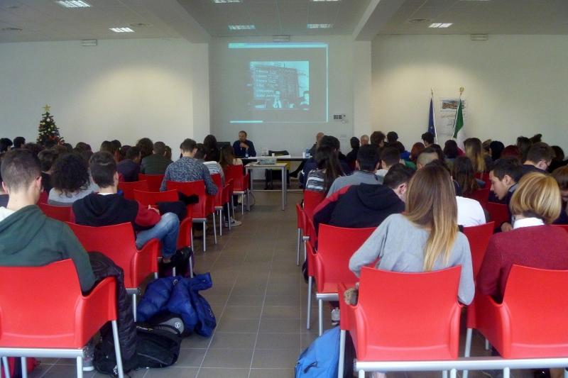 2014 12 13 08 Stefano Petrocchi Liceo scientifico Rosetti San Benedetto del Tronto