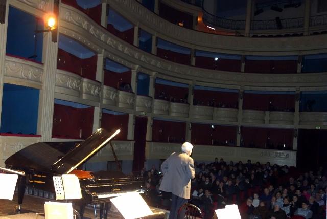 Musica civica 01. 7 febbraio 2015 Teatro Verdi San Severo Roberto Ippolito