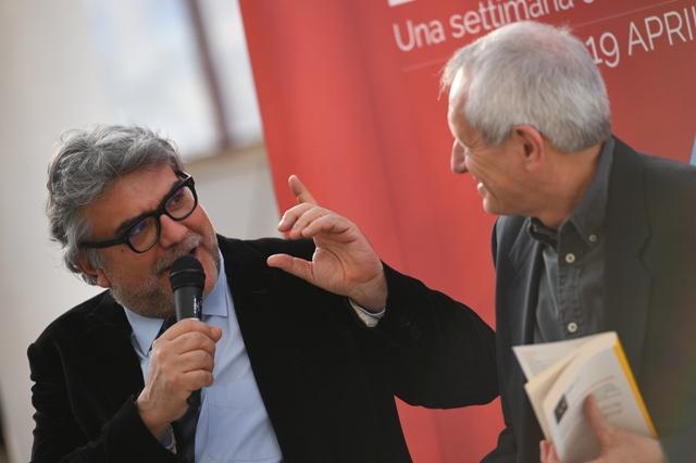 Libri al centro 012 2015 04_17 Giancarlo De Cataldo e Roberto Ippolito foto Nimfio Studio