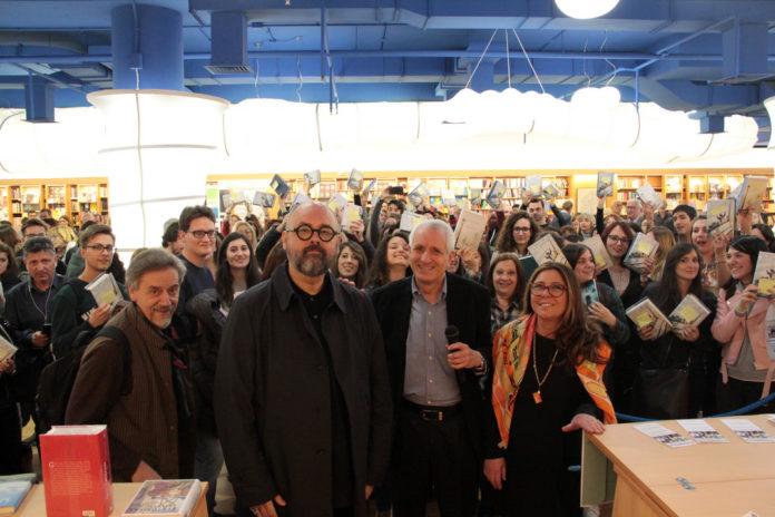 Carlos Ruiz Zafón, Roberto Ippolito e Barbara Pieralice libreria Nuova Europa I Granai 18 febbraio 2017 festival Voluminosi