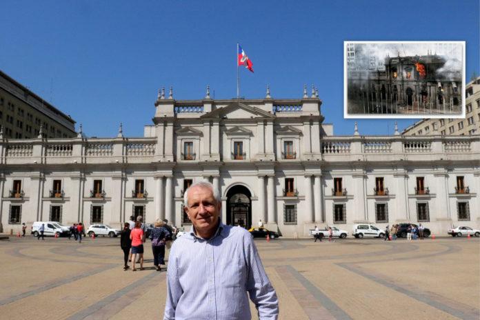 Roberto Ippolito davanti alla Moneda, il palazzo della presidenza cilena, a Santiago. Nel riquadro le fiamme per il bombardamento aereo dei golpisti l'11 settembre 1973