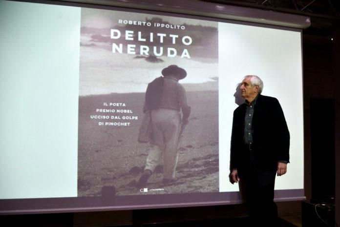 """Roberto Ippolito autore di """"Delitto Neruda"""" pubblicato da Chiarelettere, foto Vincenzo Barberio, Castellaneta (Taranto) 2020"""